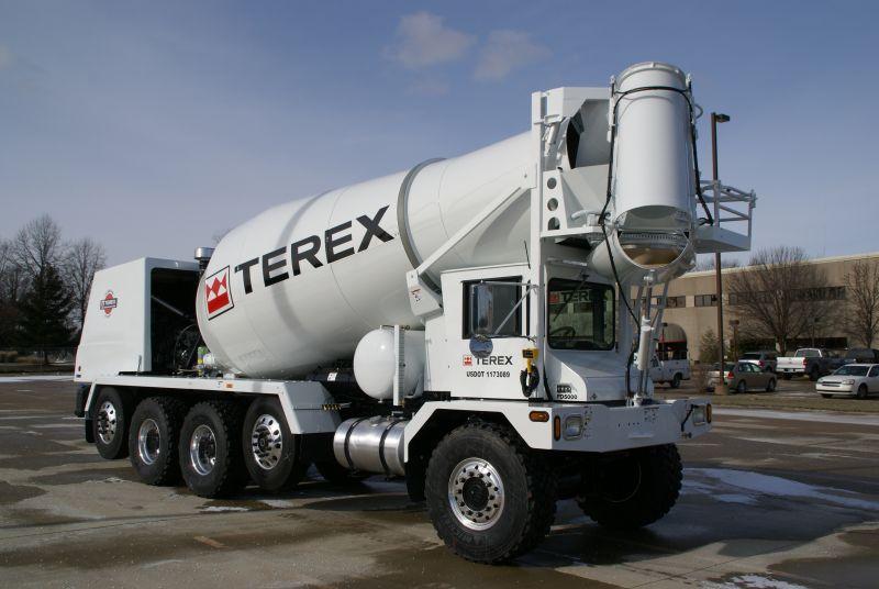 משאית מערבל בטון טרקס FD5000