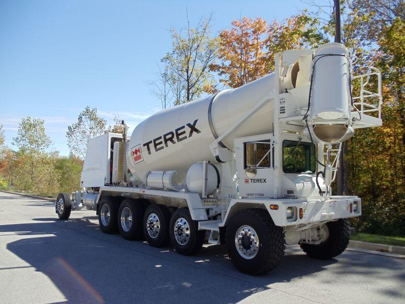משאית מערבל בטון טרקס FDB6000