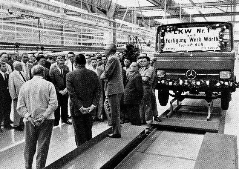 המשאית הראשונה שיוצרה בשלמותה במפעל מרצדס ב-Woerth היתה ה-LP 608 ב-1965